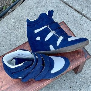 💙MAKE OFFER💙Hot in Hollywood wedge sneakers💙